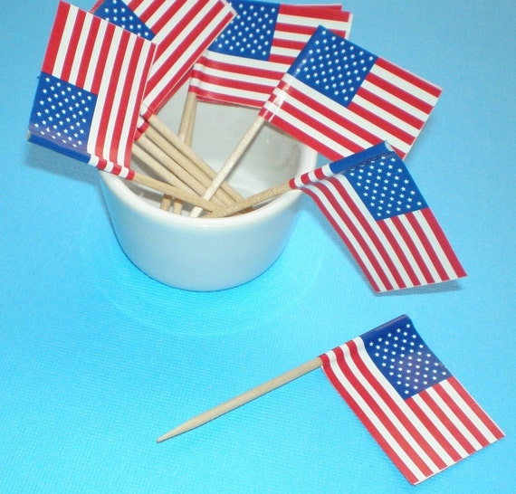 200 cupcake picks . pokes . USA flags . double value set