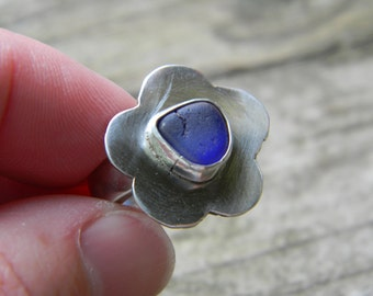 SALE - cobalt blue sea glass posey ring - sterling silver - size 6