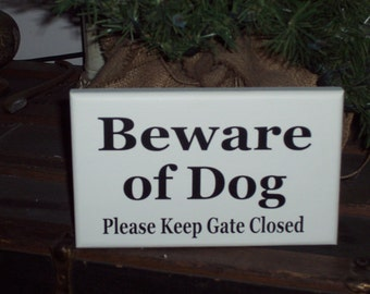 Beware of Dog Please Keep Gate Closed Wood Vinyl Outdoor Sign Farmhouse Garden Yard Art Door Home Decor Wall Hanging New Puppy Pet Supplies