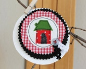 Syko happy house brooch - red gingham