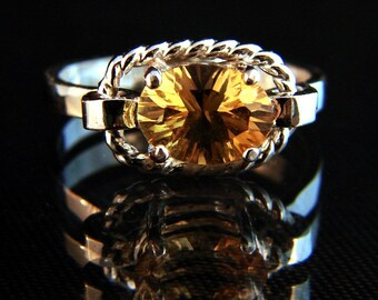 Citrine Infinity - Golden Citrine Ring