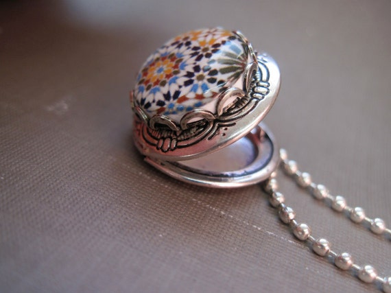 Calat Alhambra decorative ceramic tile design locket pendant, Tribal Boho chic necklace, Spanish Islamic tile cabochon