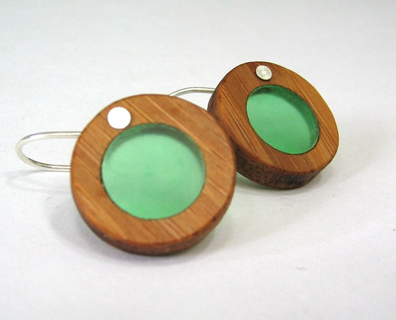 Bamboo and seaglass green resin circle earrings