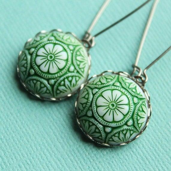 Merry Earrings - Green & White Glass - Surgical Steel Kidney Earwires