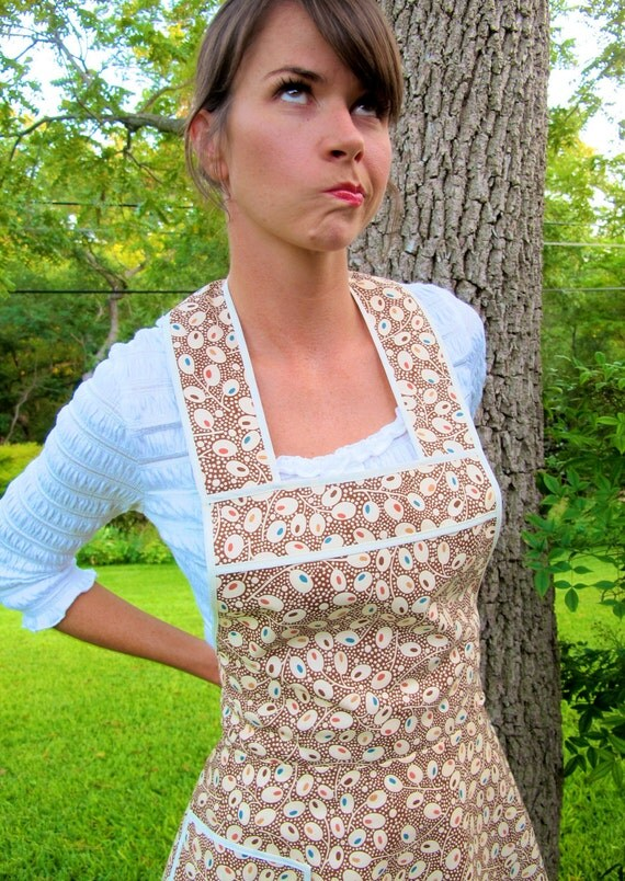 Super earthy and flirty apron - Flirty Everyday Housewife Apron-Next Size Up