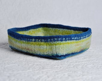 Vibe Fresh Whirlcatcher - handspun wool bowl, container, dish or catchall