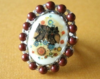 Vintage Plastic Owl Cameo Pearl Adjustable Ring; Woodland Ring, Retro Style Ring, Bird Ring