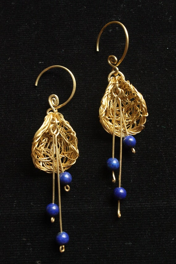 Falling Pollen - lapis lazuli