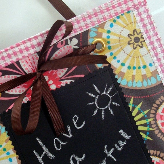 KNOB NOTES (tm) - Carnival ... laminated cotton and chalkcloth door hanger for your little notes ... REVERSIBLE
