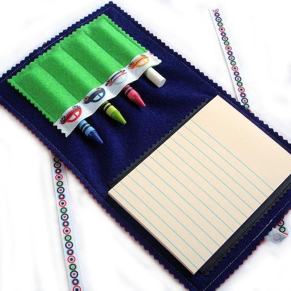 DINE.n.DOODLE - Fold.n.Go Art Folio (tm) - Cars ... mini chalk mat / crayon play on the go NEW