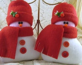 FLURRIES Snowmen in Red Set of 2