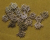 Supplies Findings 4 Snowflake Charms Jewelry Making Scrapbooking