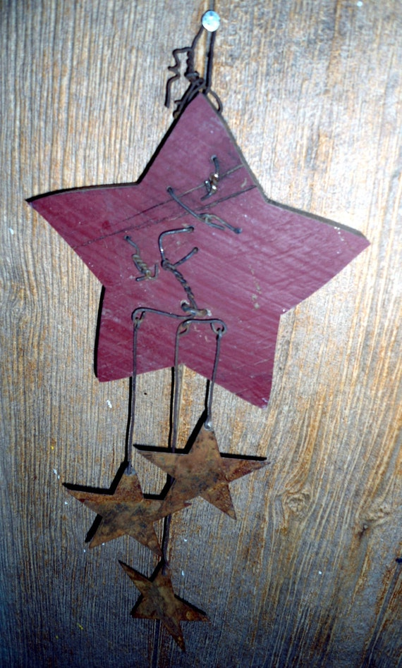 Old Rustic Red Barn Wood Star Rusty Wire Decor Wall Hanging