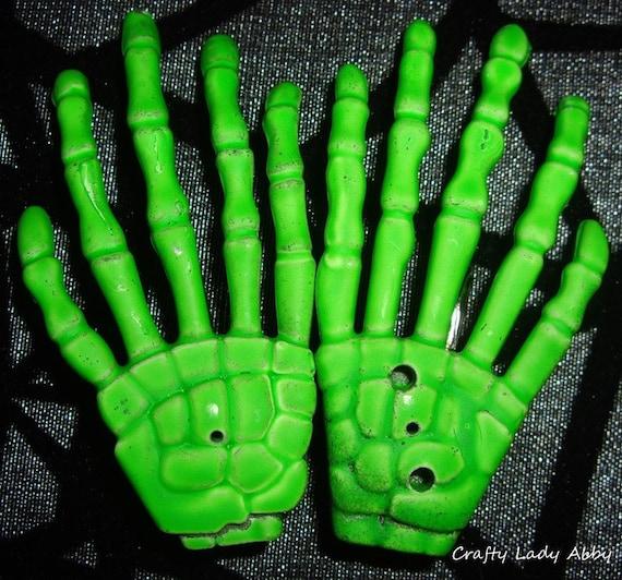 Last Pair NEON ZOMBIE GREEN Skeleton Hand Hair Alligator Clips