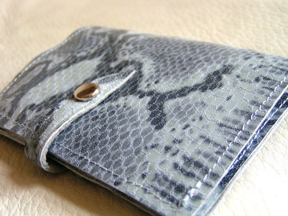 Blue and grey snakeskin print leather card case
