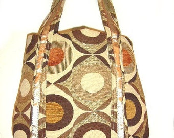 Retro Geometric Circles and Diamond Shapes Tote Bag