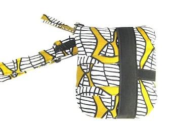 Modern Ikea Abstract Ipod Cellphone Passport Camera  ETC Wristlet Bag