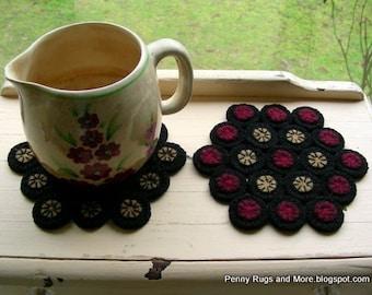 E Pattern Mug Rug