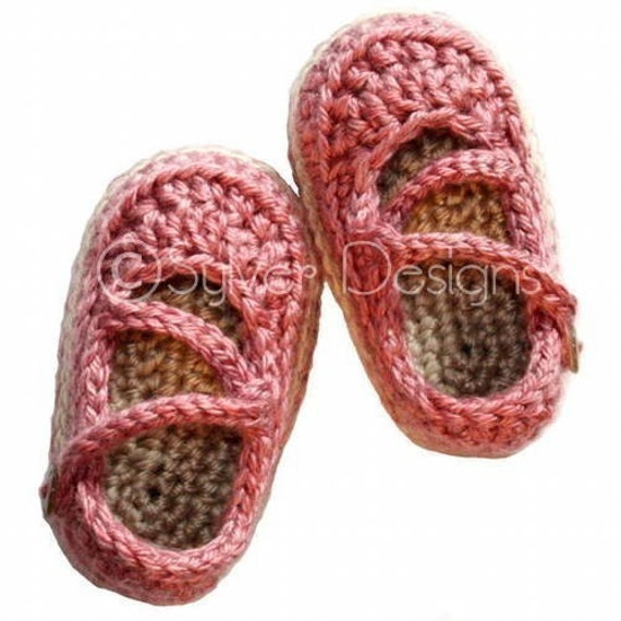 Crochet Baby Shoes Mary Jane Pattern : Baby Crossover Strap Mary Janes crochet pattern
