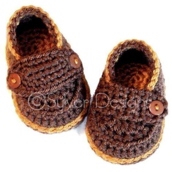 Little Button Loafers (crochet pattern)