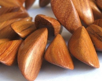 Bayong Cone Nugget Wood 12x30 Wood Beads