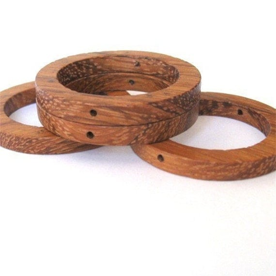 Bayong Wood Flat Circle 35mm Rings, 2 holes drilled