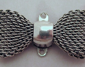 2 pcs. vintage silver tone mesh bow connector charms 23x12mm - f2476