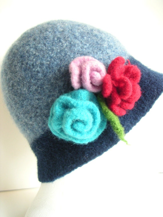 KNIT Knitting Felted Pattern Flowers HAT by ...
