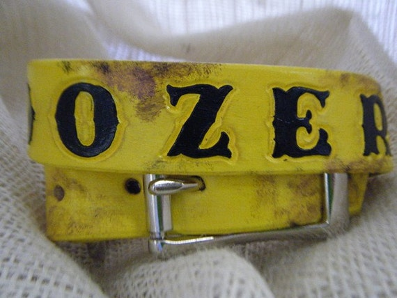 "Yellow Leather Collar with Black Letter and ""Dirt"""