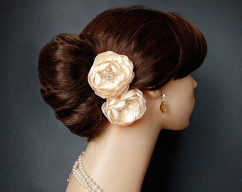 Wedding Hair Flowers, Wedding Accessories, Shoe Clips, Sash Accessories -  2 Piece Set - Candlelight Creamy  Petals