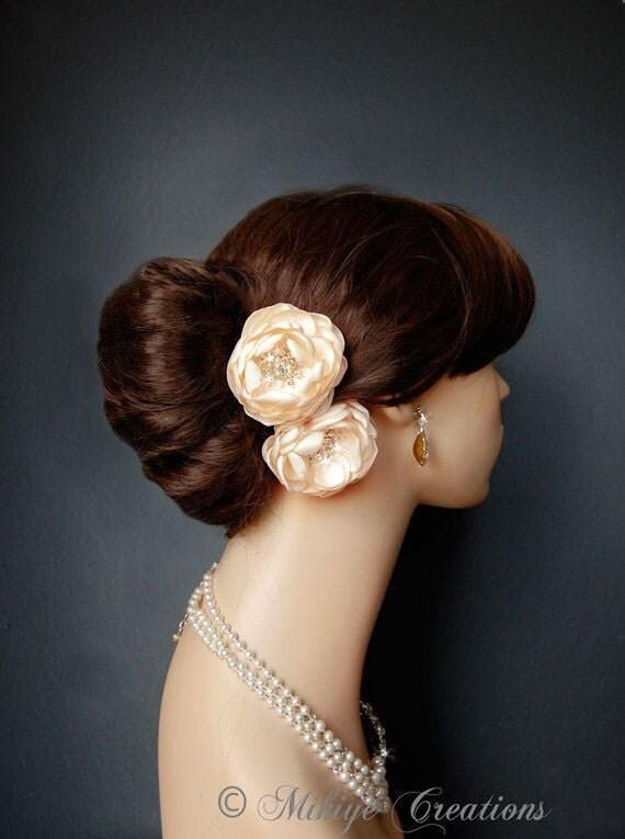 Wedding Hair Flowers, Wedding Accessories, Shoe Clips, Sash Accessories -  2 Piece Set - Candlelight Creamy  Petals