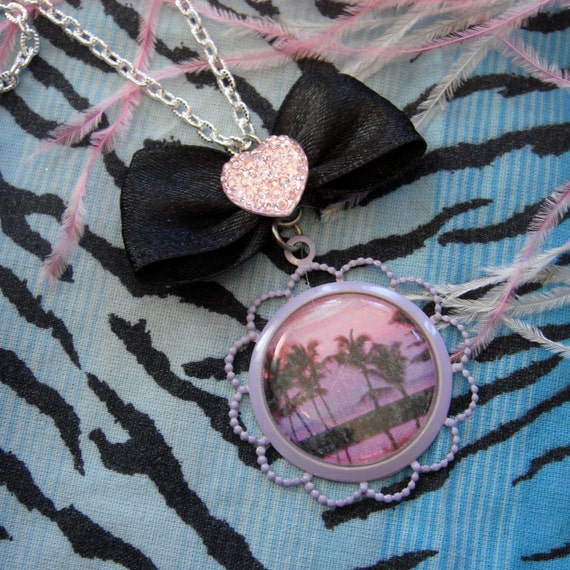 Electric Palm Tree Cameo Necklace