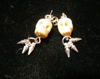 Tis ALWAYS the season for skull earrings - with spikes    paganteam, trashionteam, etsyBead, Halloween24/7, SpookyCute