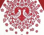 scherenschnitte 3/4 sleeve tee - red - love birds and heart print