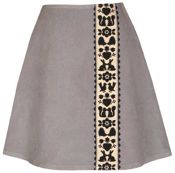 kissin' kritters skirt - smoke grey - corduroy with smooching woodland creatures