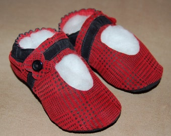 Mary Jane Version of the Soft-Sole Shoe Pattern for Toddlers  - emailed