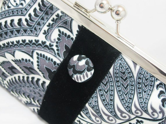 Coupon Organizer Purse Etched Paisley