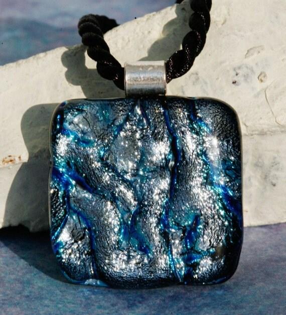 Silverish Blue Pendant No. 60072