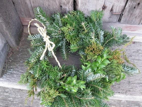 EVERGREEN  MINI  WREATH  fresh holiday greenery