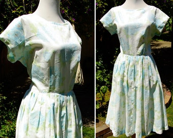 BLUE Heaven 1950's 60's Vintage Floral Spring Dress with Big Baby Blue Flowers // size Small Med
