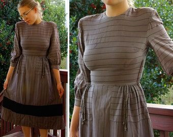 JOAN MILLER Juniors 1940's Vintage Gray and Black Striped Nautical Dress with Shoulder Pads