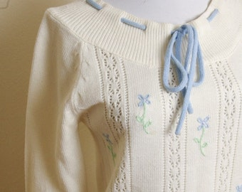 Sweet 1970's 80's Vintage Cream White Knit Sweater with Baby Blue Bow size Small // by Alberoy