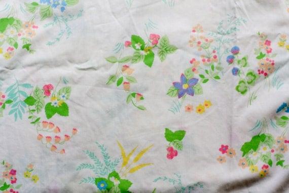 Vintage Sheet Fat Quarter - Sweet Strawberry Floral