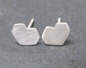 ANGLED HEART studs post earrings