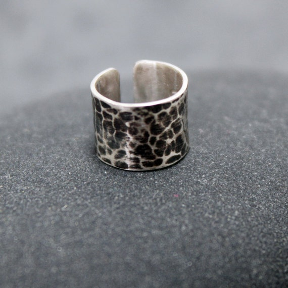 LEOPARD, 5mm Hammered, Cartilage, Ear Cuff, Band, Wrap