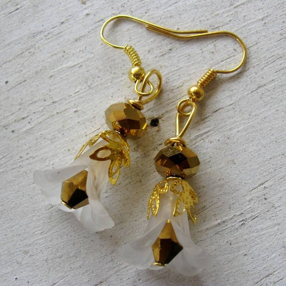 Gold Plated Faceted Glass Crystal, Frosted White Lucite Calla Lily Flower, Filigree Earrings