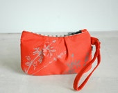 Sophie Wristlet-Coral with grey Laminaria print