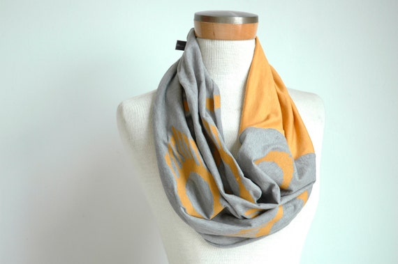 Grey Jersey Scarf with Ojo Print & gold jersey panel
