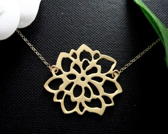 Gold Dahlia Flower Necklace / Dainty Necklace Bridesmaid Gifts / Best friend, Mothers Jewelry / Large Silver Dahlia Pendant