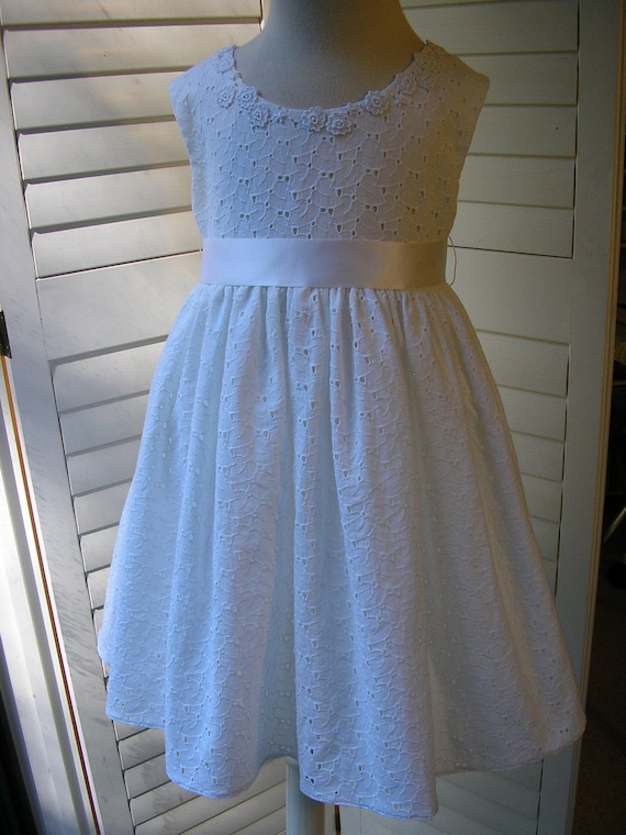 Sale - Dainty White Cotton Eyelet Embellished Flowergirl Dress, Size 6,